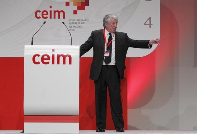 Arturo Fernández durante una asamblea de CEIM.