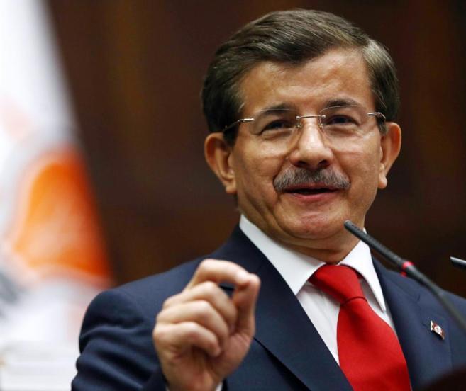 El primer ministro turco, Ahmet Davutoglu, durante un encuentro en el...