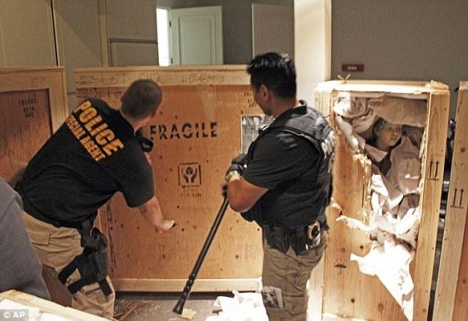 Allanamiento que hizo la policía en la casa de Teodorin en Malibu el...