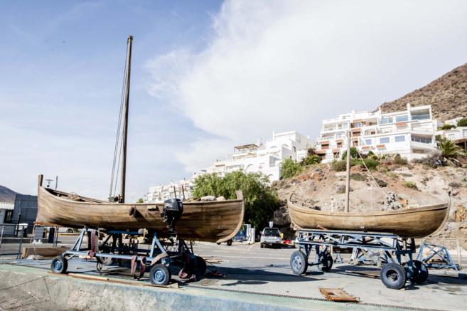 Barcas de pescadores de época romana utilizadas para el rodaje de...