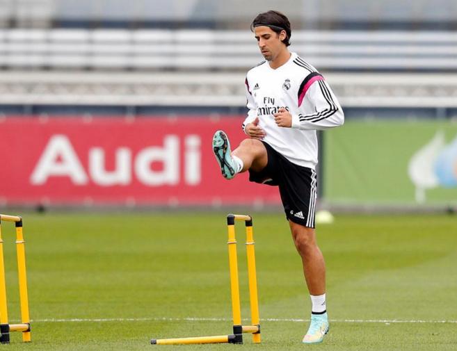 Khedira, durante el entrenamiento con el Real Madrid.