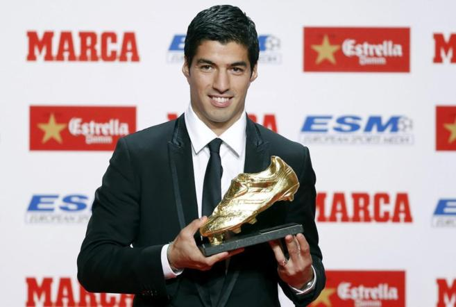 Luis Suárez, con su Bota de Oro.