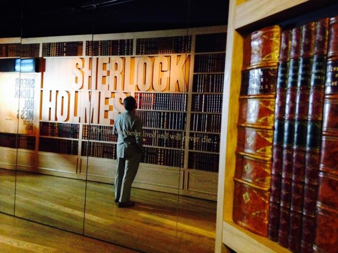 La librería que da paso al gabinete secreto de Sherlock Holmes.