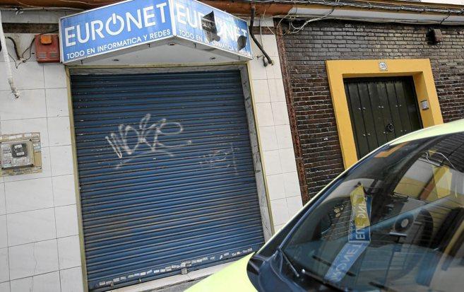 El cibercafé que regentaba el presunto pederasta en Los Remedios,...
