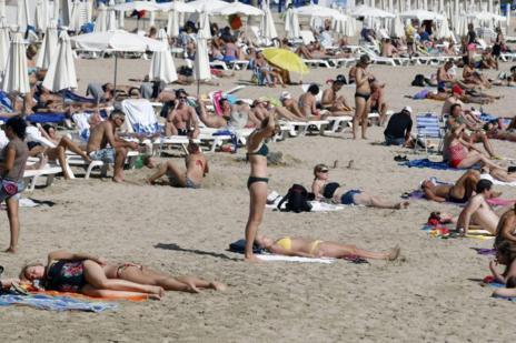 La playa de El Postiguet (Alicante), el pasado día 15.