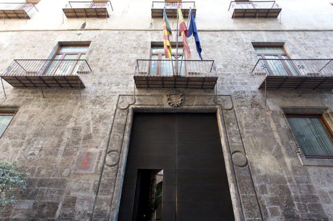 Fachada del palacete sede de la conselleria de Hacienda.