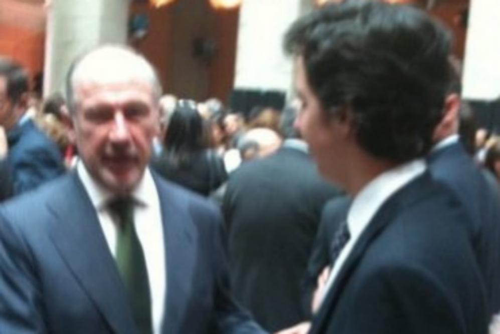 Saludando al exvicepresidente de Gobierno Rodrigo Rato