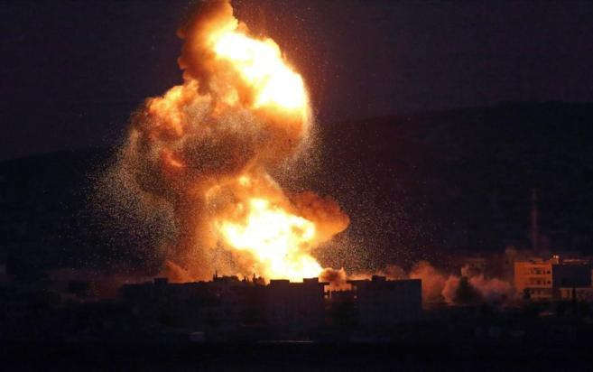 Bombardeos estadounidenses sobre tropas del Estado Islámico en las...