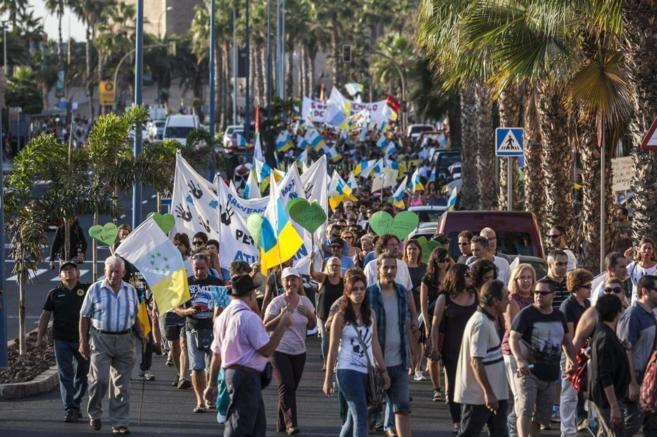 Manifestantes en Las Palmas de Gran Canaria.