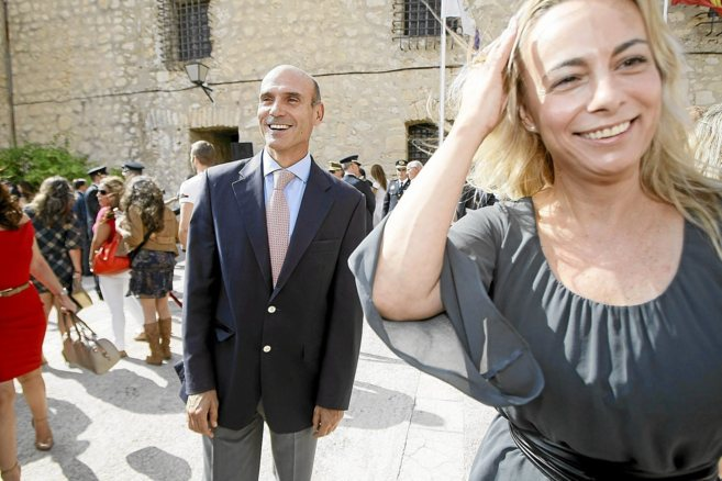 Juan Seva y Sonia Castedo, en la celebración del día de la Policía...