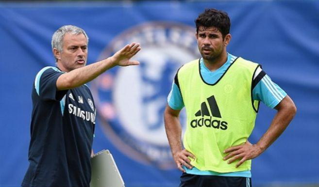 Mourinho y Diego Costa en un entrenamiento del Chelsea.