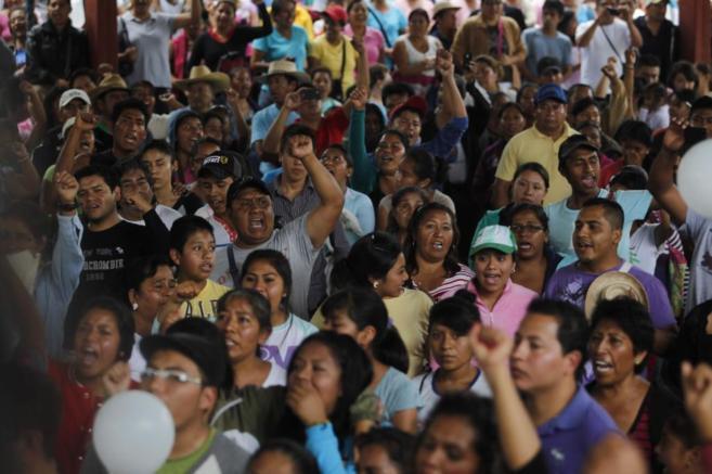 Protestas en México para reclamar la vuelta de los 43 estudiantes...