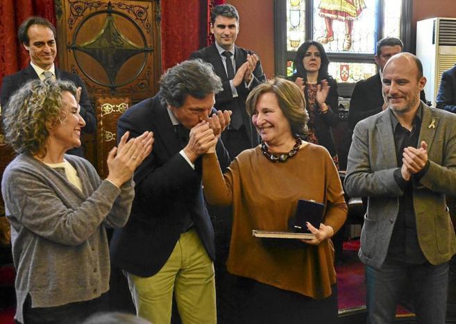 Calvo, Isern y Verger durante un homenaje a una funcionaria jubilada.