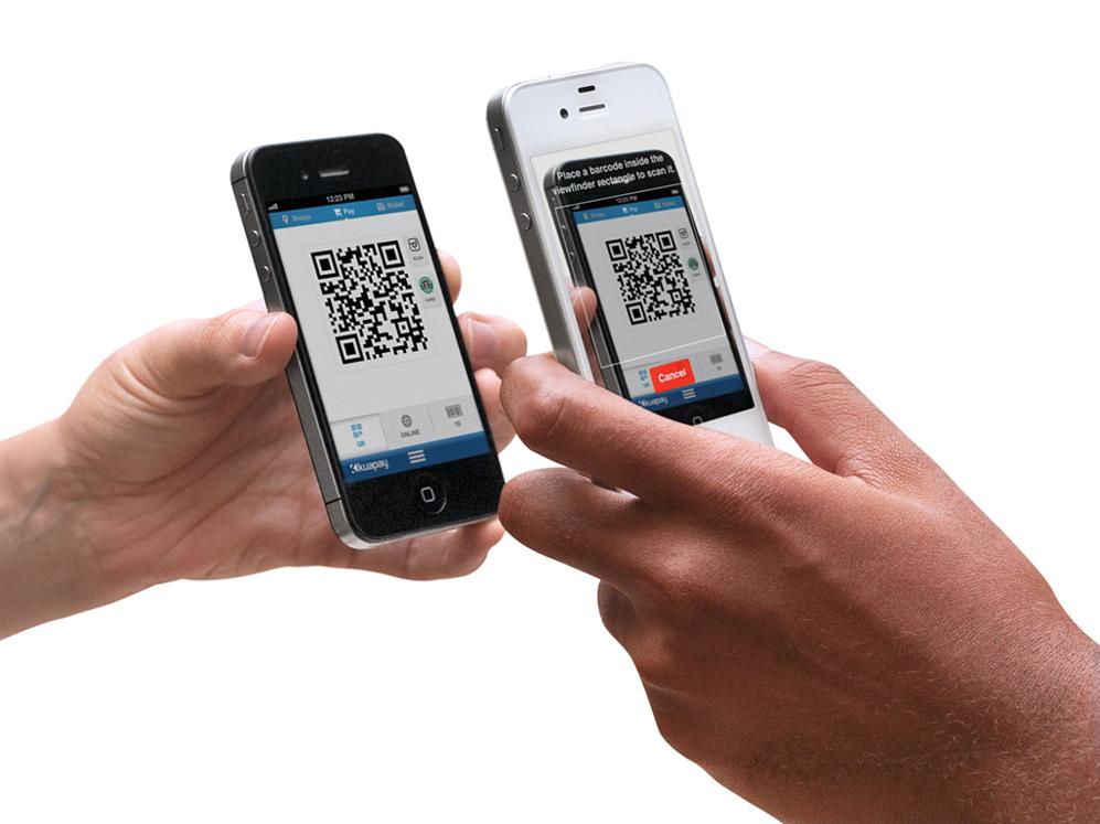 <STRONG>SIN NFC.</STRONG>  La complicación regulatoria y de infraestructura que supone añadir un chip NFC a la ecuación de los pagos móviles ha llevado a muchas start-ups a explorar sistemas basados en Bluetooth o códigos bidimensionales. Son alternativas que han dado buenos resultados en ciertos mercados. En España y Latinoamérica Kuapay, creada por el exfundador de Tuenti, Joaquín Ayuso, es uno de los referentes. En 2013 Telepizza se convirtió en una de las primeras grandes compañías en adoptarlo. La Universidad Pontificia Comillas, en Madrid, lo ofrece como sistema de pago para varios servicios en el campus. Este sistema de códigos bidimensionales se ha utilizado para otros casos. Starbucks, por ejemplo, permite pagar en EEUU usando un código de barras en la pantalla del móvil asociado a la cuenta del usuario.