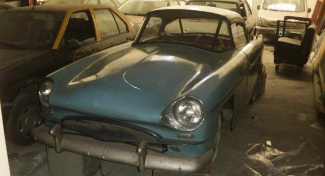 Uno de los coches de Perón, parte de la herencia incautada.