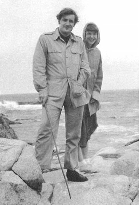 Los poetas ted Hughes y Sylvia Plath durante un viaje a Massachusetts,...