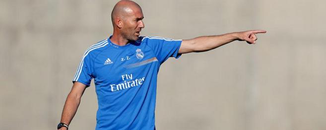 Zidane, durante un entrenamiento con el RM Castilla.