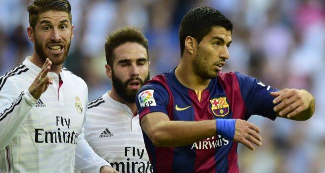 Suárez, ante Ramos y Carvajal en un córner.