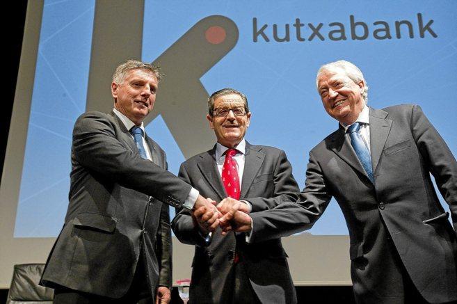 Los presidentes de las tres caja que dieron lugar a Kutxabank,...