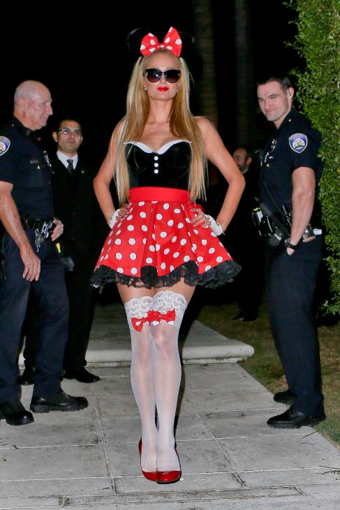 Paris Hilton disfrazada de Minnie Mouse.