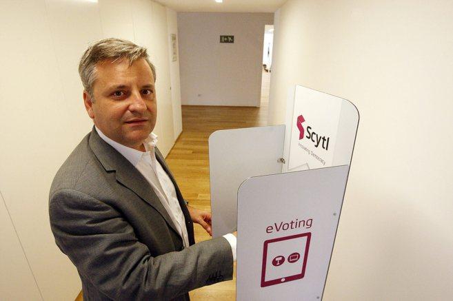 El CEO de Scytl, Pere Vallès, posa en las oficinas de la compañía...