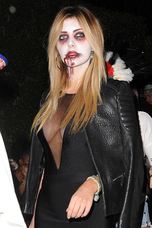 Brittny Gastineau optó por un difraz de vampiresa sexy.