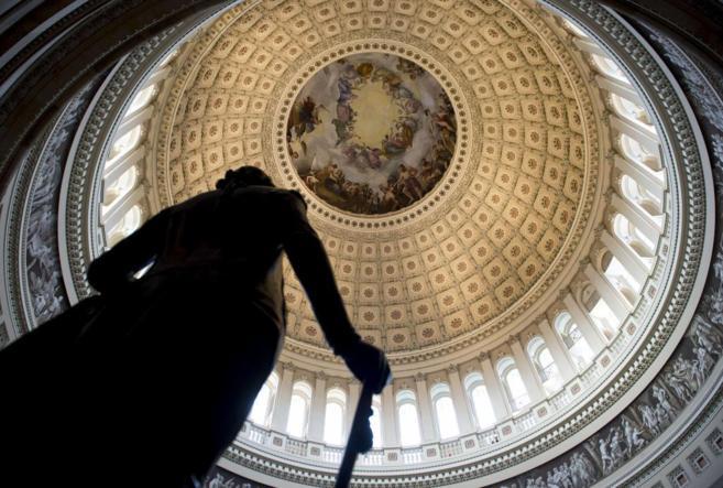 La figura del primer presidente de EEUU, George Washington, se recorta...