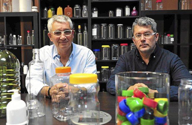 Josep Flamerich y Eduardo Calero, de Topack en sus oficinas de...