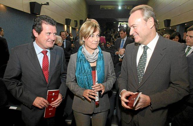 Sonia Castedo, entre José Císcar y Alberto Fabra, en una imagen de...