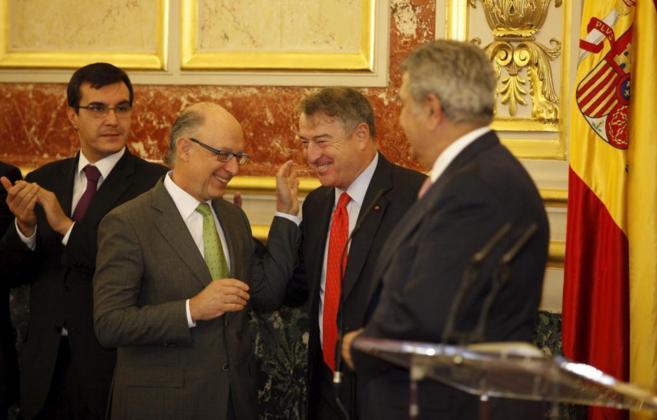 José Antonio Sánchez, presidente de RTVE, bromea con Cristóbal...