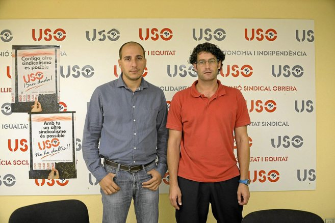 Los portavoces de USO Ismael Alonso y Tomeu Munar, ayer, en la rueda...