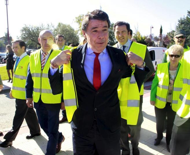 El presidente de la Comunidad, Ignacio González, durante una visita...