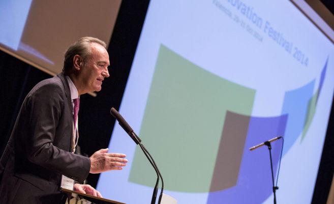 El president de la Generalitat, Alberto Fabra, en  la inauguración...