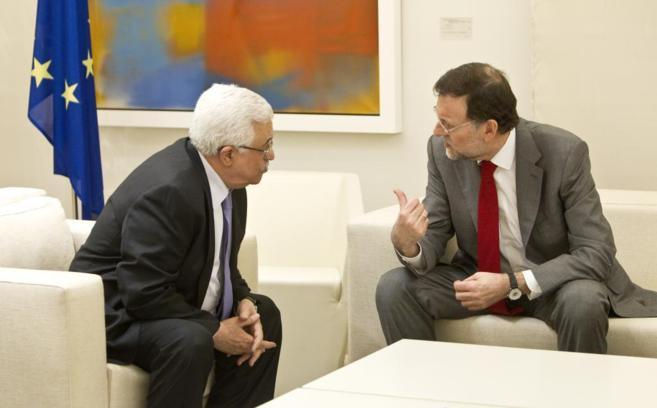 Rajoy, con el presidente palestino, Abu Mazen, en La Moncloa en 2012.