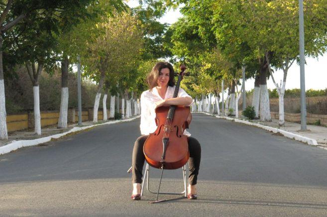 La violonchelista y directora de la orquesta Almaclara-Inés Rosales,...