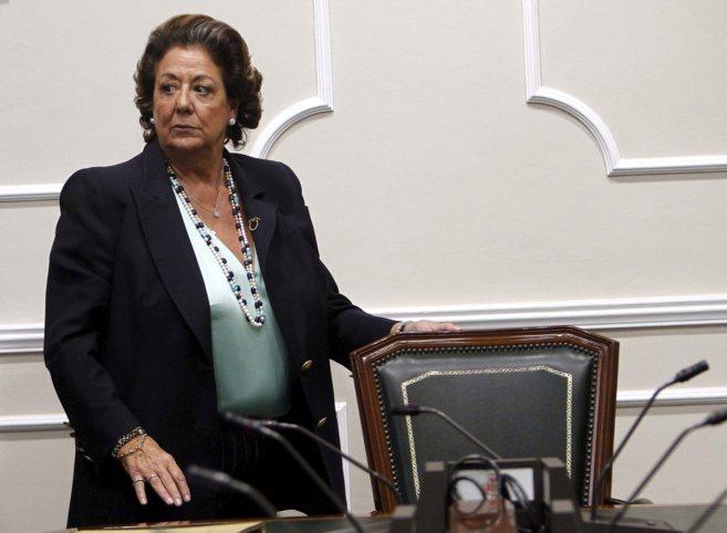 La alcaldesa, Rita Barberá, en uno de los salones del Ayuntamiento.