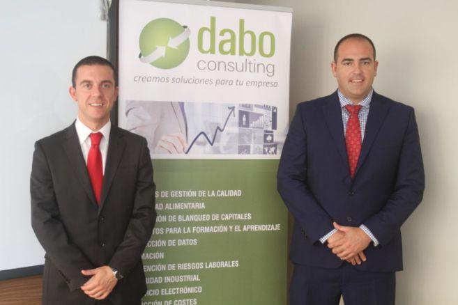 Enrique Cuberos y Juan F. Pedrosa,directores generales de Dabo...