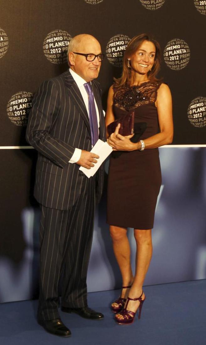 Sol Daurella y Carles Villarrubí, en los premios Planeta de 2012.
