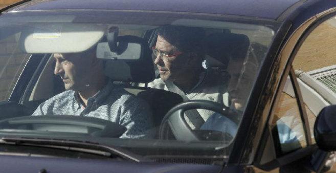 Granados, en el vehículo en el que fue trasladado detenido antes de...