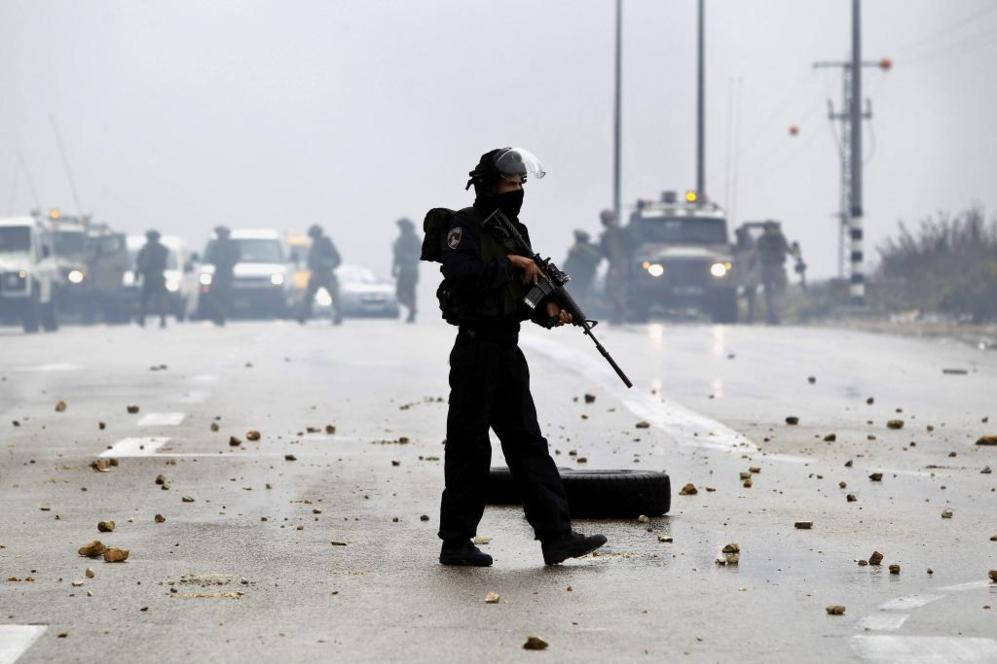 ATS07 HEBRON (CISJORDANIA) 31/10/2014.- Un policía fronterizo...