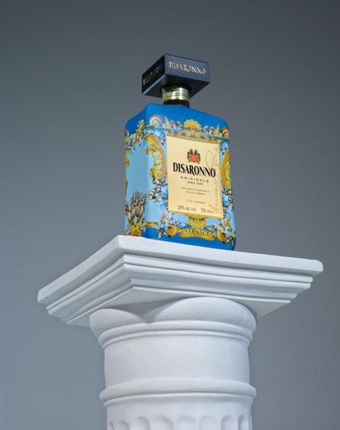 Diseño de Versace para la edición limitada de la botella de...