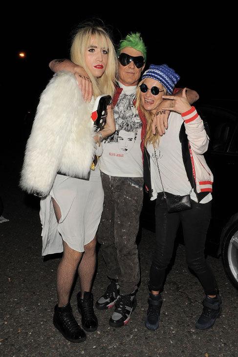 Rita Ora se encontró con su doble en la noche Londinense, dentro de...