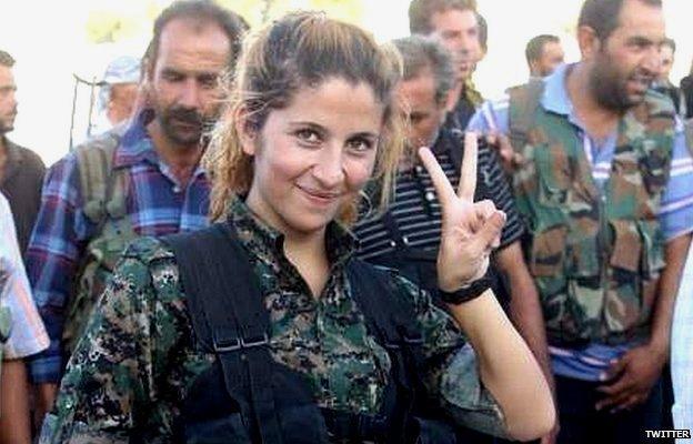Imagen del supuesto 'ángel of Kobane' también conocida...