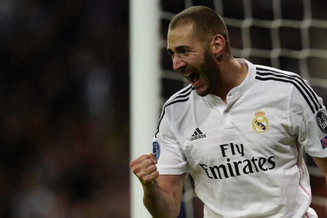 Karim Benzema celebra el único tanto del Real Madrid ante el...