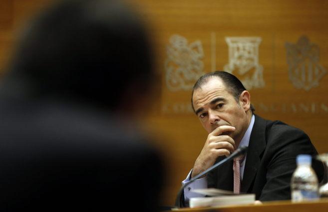 El conseller de Sanidad, Manuel Llombart, detalla el presupuesto de su...