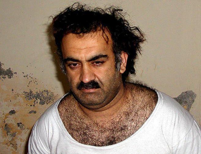 Terrorista de Al Qaeda, Khalid Sheikh Mohammed, tras su captura en...