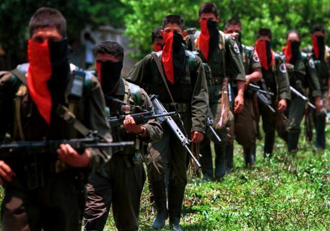 Soldados del Ejército de Liberación Nacional (ELN) de Colombia en el...