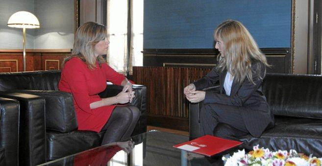 Susana Díaz, el día que recibió a Carmen Castilla, secretaria...