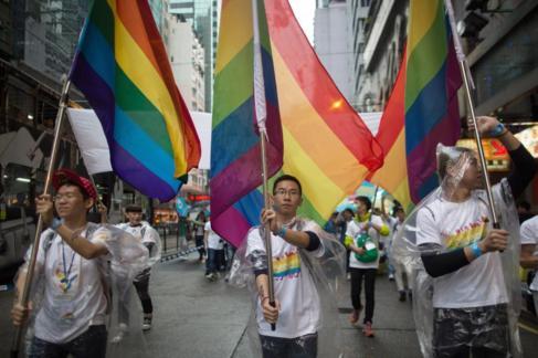 Manifestantes en Hong Kong con motivo del Día del orgullo gay, hoy.