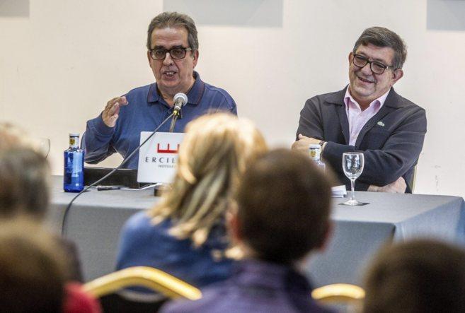 Teo Uriarte y el periodista Santiago González presentan un manifiesto...